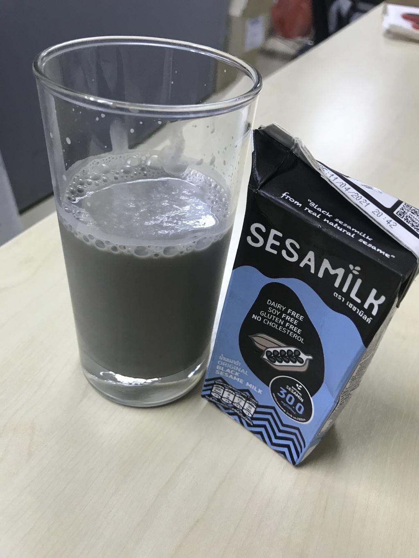 SesaMilk น้ำนมงาเซซามิลค์ สูตรหวานน้อย รีวิว