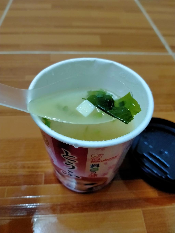 MARUKOME MISO SOUP TOFU CUP ซุปมิโซะกึ่งสำเร็จรูปผสมเต้าหูและสาหร่ายทะเลวากาเมะ รีวิว