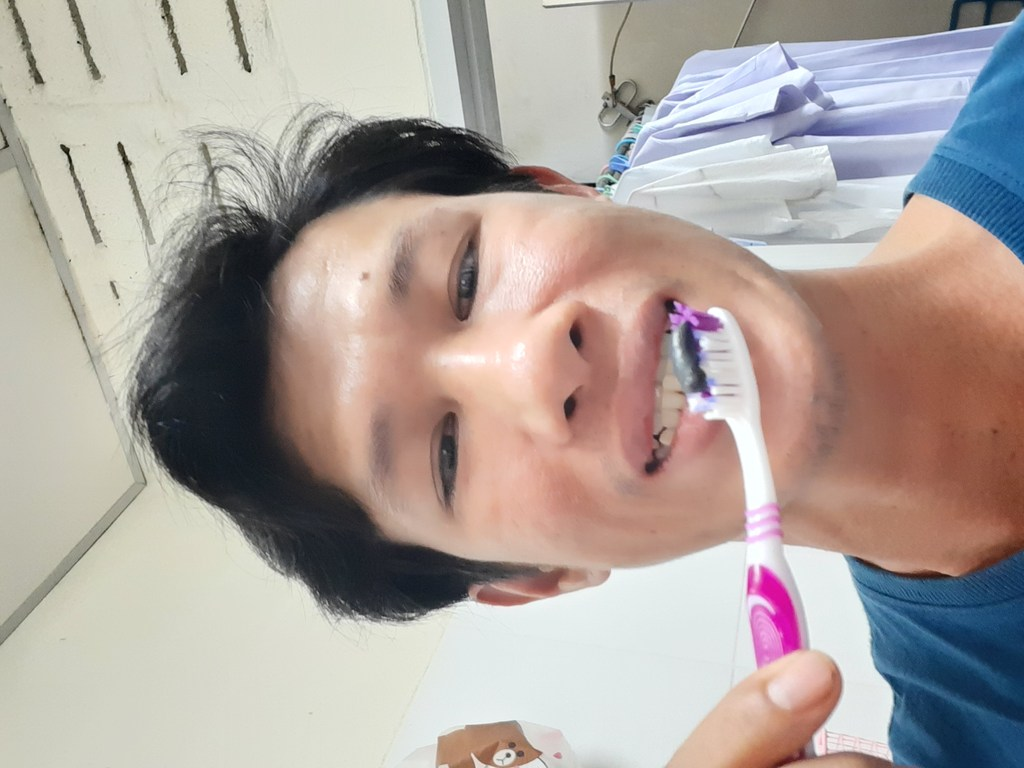 MEDENT FRESH CHARCOAL  ยาสีฟันสมุนไพร ชาร์โคลเข้มข้น รีวิว
